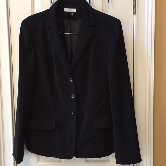 East 5th Jackets & Blazers - East 5th long sleeve 3button black stain resistant